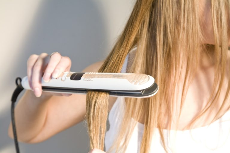 Какой фен лучше для выпрямления волос