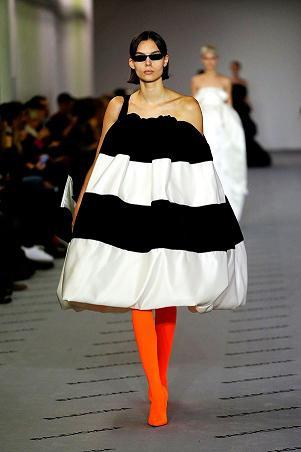 Новая мода платьев от Demma Gvasalia