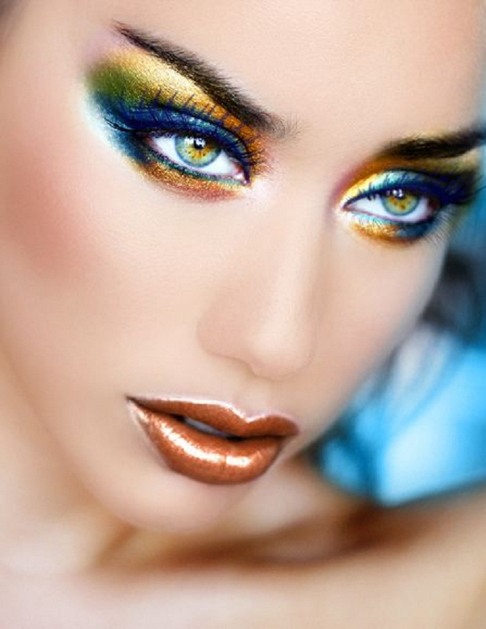 Металлические губы — ослепительный бьюти-тренд