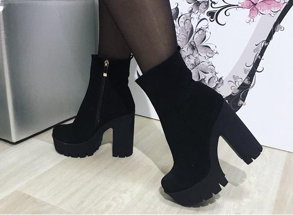 женские ботинки на каблуке фото
