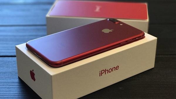 Айфон 7 в красном цвете