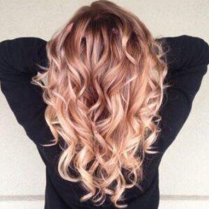 Красивые локоны на волосах омбре