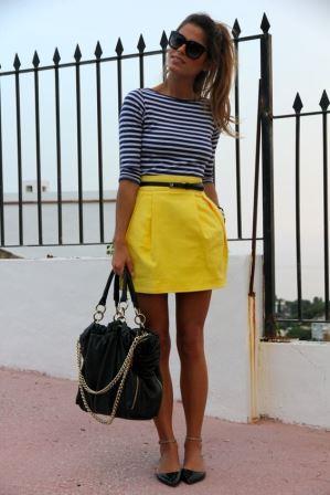 Желтая юбка с поясом